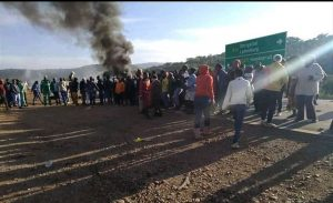 Kgautswane community close R36 road amid the protest
